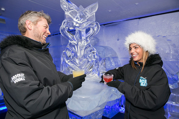 Minus 5° ICE BAR Queenstown couple